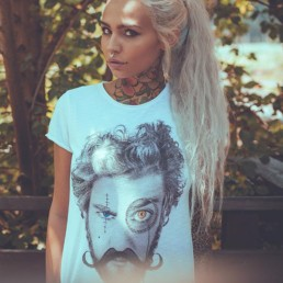 Fishball indossa una t-shirt donna Paul Cortese